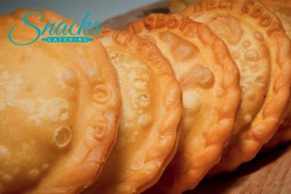 Â¡Una picadera para compartir! Paga RD$550 en vez de RD$1,200 por 20 Pastelitos + 20 Croquetas + 20 Quipes en Snack Catering.