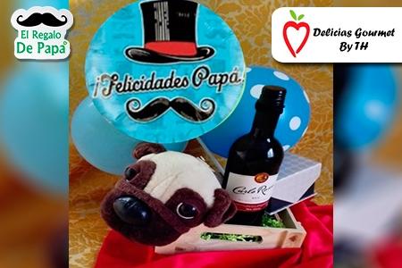 ¡Dale un regalo diferente a Papá! Paga RD$1,850 en vez de RD$3,700 por Vino Carlos Rossi o Frontera + 1 Globo Metálico + Peluche  + Caja de Madera decorada + Envoltura en Delicias Gourmet By TH.