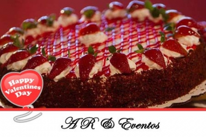 ¡Regala este Delicioso Postre en San Valentín! Aprovecha y Paga RD$580 en vez de RD$1,350 por ½ de Bizcocho de Vainilla decorado, elegir entre: Cubierta de Mermelada, Galletas Oreo ó Sirope de Fresas y Chantillí en AR & Eventos.