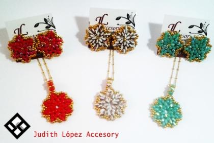 ¡El Detalle Perfecto para las Madres!  Paga RD$350 en vez de RD$1,500 por Set de Aretes + Dije con cadena laminada (Diferentes colores para elegir) en Judith López Accesory.