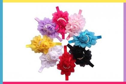 ¡Bellezas para tu hija! Paga RD$250 en vez de RD$500 Por Bandas de cabello para niñas  en diversos colores a elegir en Ximena Decoración Infantil.