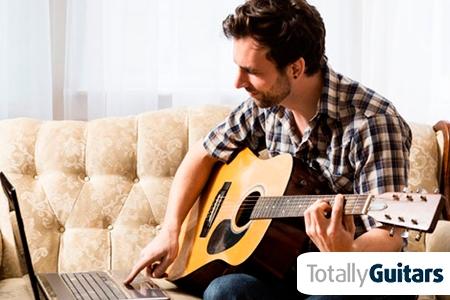 ¡Haz realidad tu sueño! Paga RD$720 en vez de RD$13,924 por 6 meses de Clases de Guitarra Online con Neil Hogan en Totally Guitars.