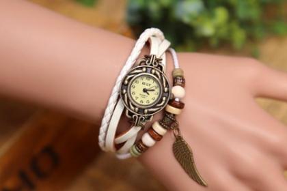 Â¡Hermoso Reloj Vintage! Paga RD$290 en vez de RD$600 Por Reloj Vintage de piel en Mobilcity.