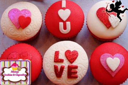 ¡El regalo ideal en San Valentín! Paga RD$325 en vez de RD$750 por 6 Cupcakes de vainilla decorados en Fondant y glass con la frase I Love You en Money Cookies and Cupcakes.