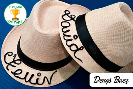 ¡Muéstrale a Papá que es único! Paga RD$450 en vez de RD$1,200 por Sombrero Personalizado en Denys Baez.