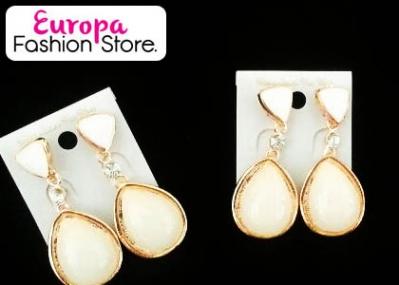 Â¡Deslumbra a todos con estas  Argollas de Perlas!  Aprovecha y paga RD$255 en vez de RD$550 en Europa Fashion Store.