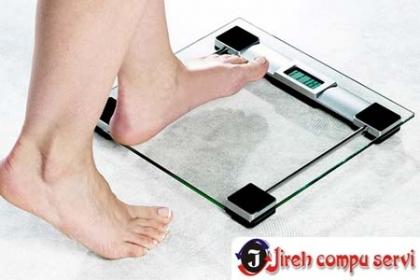 Â¡Controla tu Peso! Paga RD$699 en vez de RD$2,100 por Pesa Digital de Cristal Transparente en Jireh Compu Servi.
