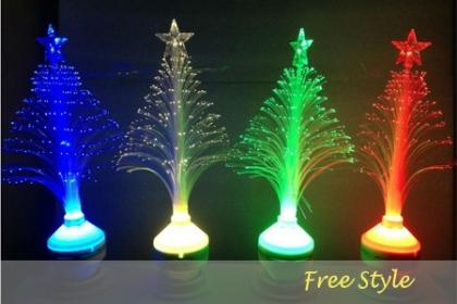 Â¡Decora tu Hogar! Aprovecha y Paga RD$350 en vez de RD$700 por Bombillos LED en forma de  Arbolito de Navidad que emiten luz de  varios colores (Rojo, Blanco, Azul, Verde, RGB)  en FreeStyle.