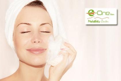 ¡Elimina las manchas! Paga RD$590 en vez de RD$4,700 por Peeling químico descamante + Microdermoabrasión facial en E-one Esthetic Center.
